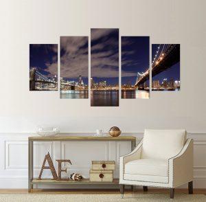 Бруклинският мост, картина от 5 части; картина от пет части; картина от сектори; картина от части; Бруклински мост; мост; картина мост; град; градска забележителност; градски пейзаж; залез над града; нощен пейзаж; декоративно пано; декорация за стена; висококачествен печат; картина с висока резолюция; снимка върху платно; канава; картина; картина на PVC; картина на канава, нощна картина; нощен градски пейзаж;