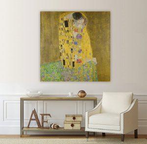 Картина Целувката; Густав Климт; ,репродукция; канава; канаваца; картина на канава; картина; класическа картина; декорация; декорация за стена; висококачествен печат; картина с висока резолюция; декоративно пано;
